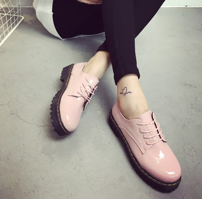 Spring British Fashion Ladies Patent Leather Shoes Lace Up Flat Platform Shoes Round Toe Thick Heel Women Flats Zapatos Mujer<br><br>Aliexpress