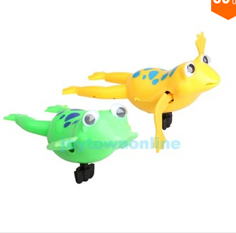 Swimming Frog Battery Operated Pool Bath Cute Toy Wind-Up Swim Frogs Kids Toy #1 toys baby toy thomas and friends S16(China (Mainland))