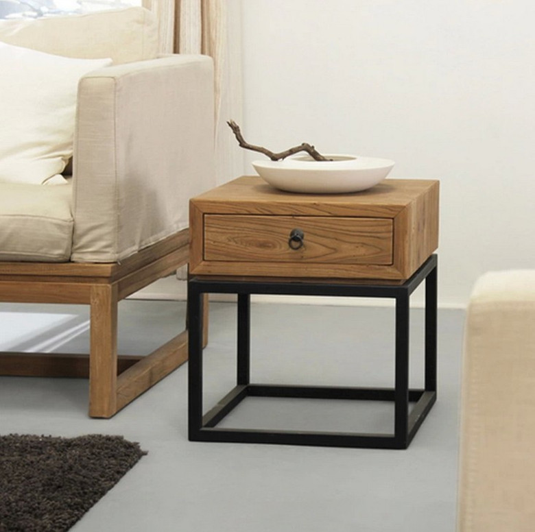 Table de chevet simple - Construire une table de chevet ...