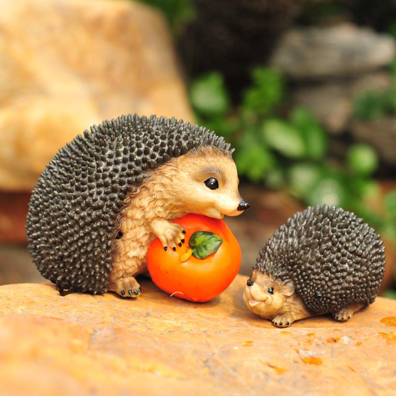 Free shipping 2 pcs set resin hedgehog garden decoration for Herisson decoration jardin