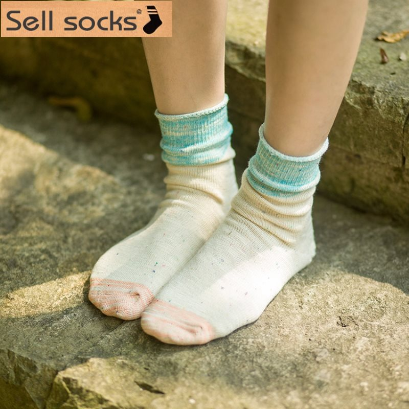 Japanese new women thick lines in tube cotton sock autumn winter color point relent piles casual cotton sock size35-40(China (Mainland))