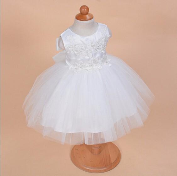 Скидки на Реальная картина превосходный крещение платья крещение платье кружева атласная 0-24month в шляпе