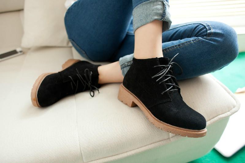 Ботинки на весну женские