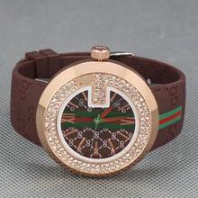 Moda de nueva marca hombres mujeres correa del silicón del diamante relojes de pulsera de cuarzo 3 colores liberan el envío