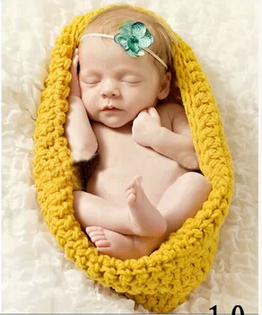 Yellow sleeping bag hundredth day full moon portrait photography of newborn clothing hand-woven children's photography props(China (Mainland))