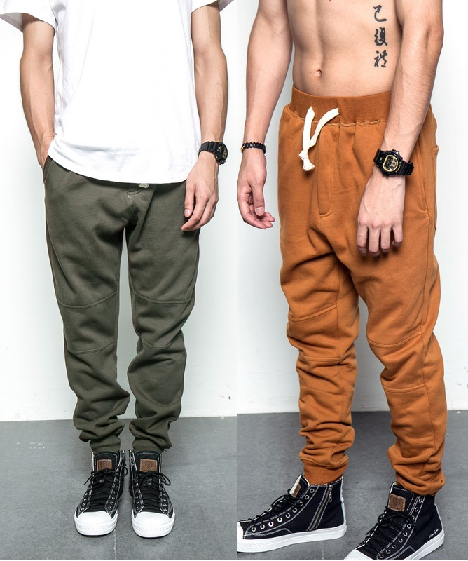 essays on sagging pants trend That a form of prison garb would develop into a fashion trend seems highly unlikely, but history shows that sagging pants, that is the trend of wearing one's pants well below the waistline in a suggestive manner, has defied this very norm.