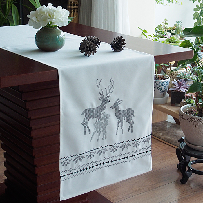 Christmas table runner white shabby chic deer embroidery table cloth wedding - Deco table noel chic ...
