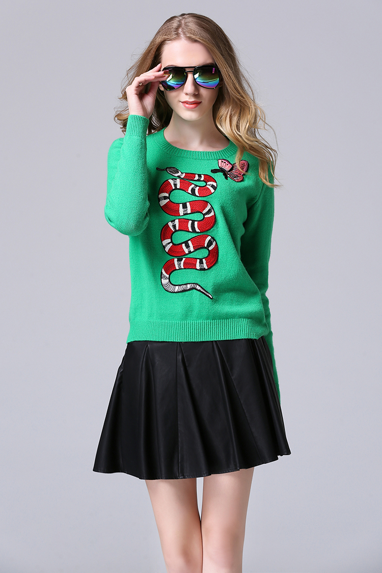 New 2016 Winter Butterfly Salamander Embroidery Sweater Green Long Sleeve Cashmere Sweater Women Sweater Jersey Mujer 72065