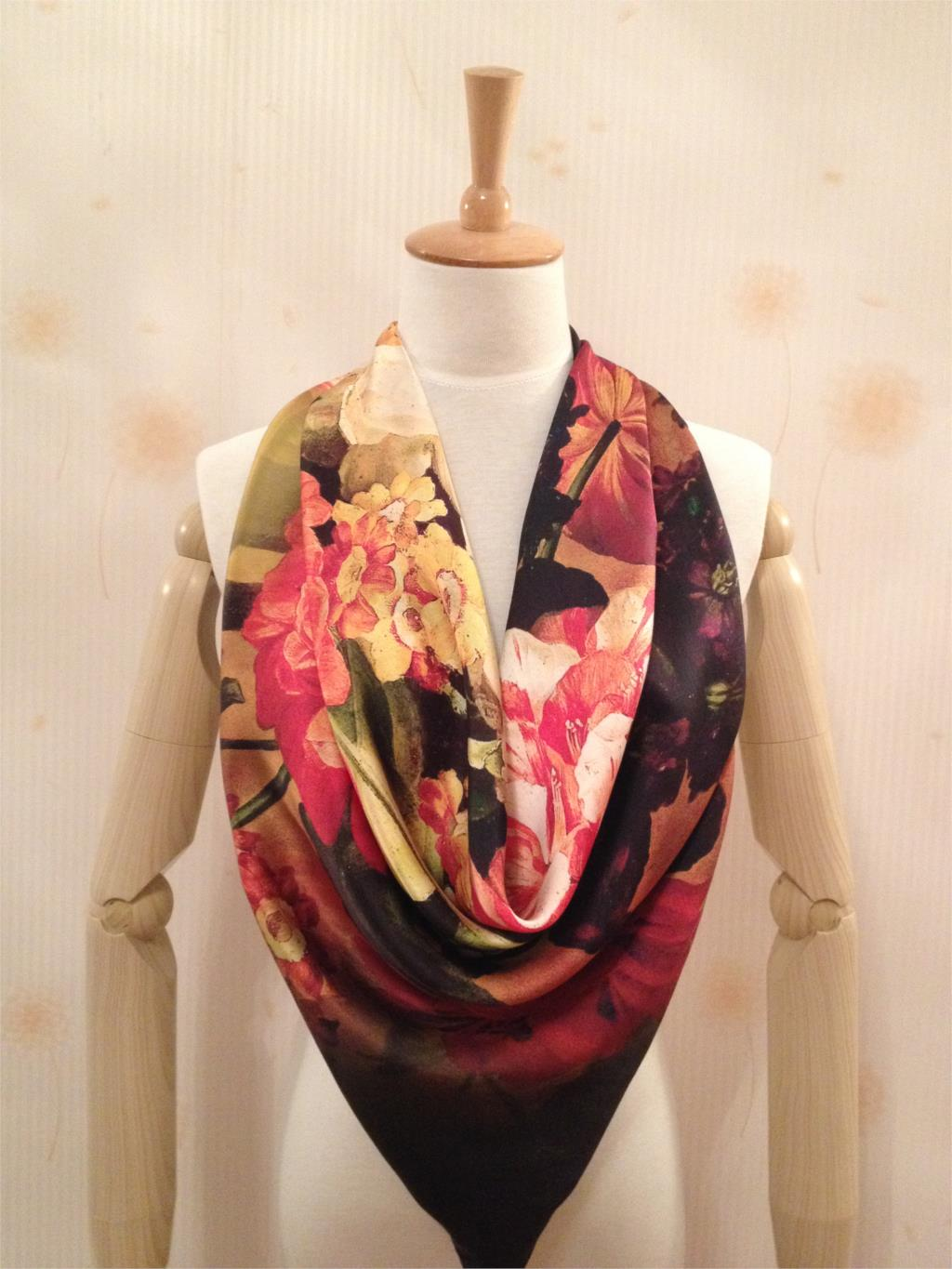 FREE SHIPPING!2015 NEW ARRIVE FISHION SHINING SOFT SQUARE FLORAL PASHMINA SILK SCARF WOMEN GIFT(China (Mainland))