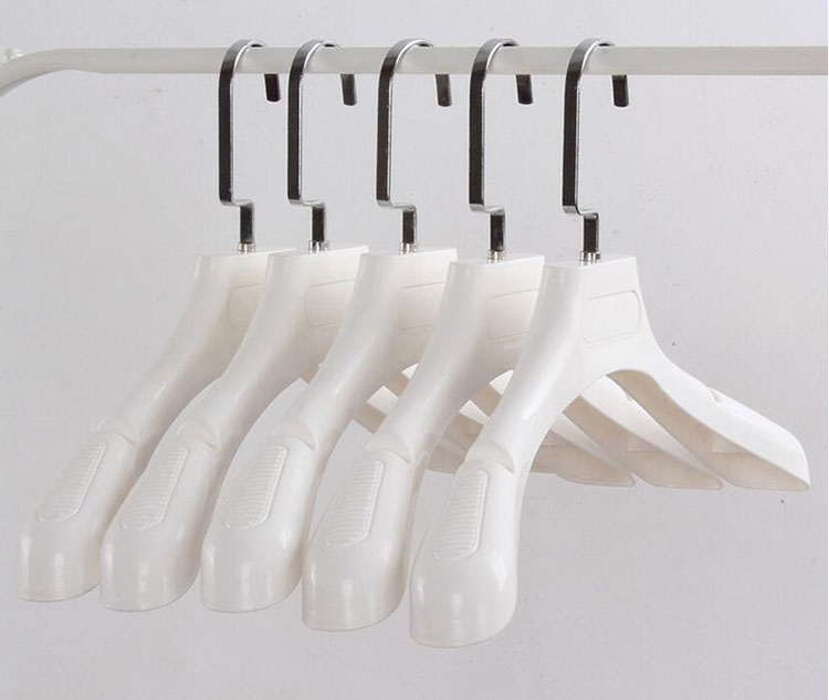 Thick Wide Shoulder White Plastic Clothes Hanger for Coats Garment and Fur (8 Pieces / Lot)(China (Mainland))