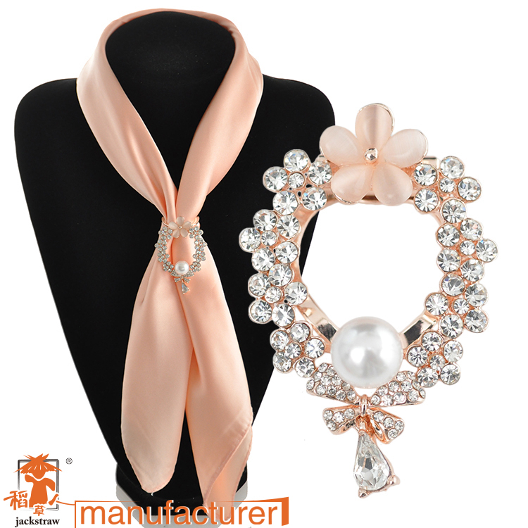 Women Bag Rushed Broches 2016 Newest Rose Plated Brooches Rhinestone Flower For Wedding Bridal Dresses Hijab Clip Scarf Buckle(China (Mainland))