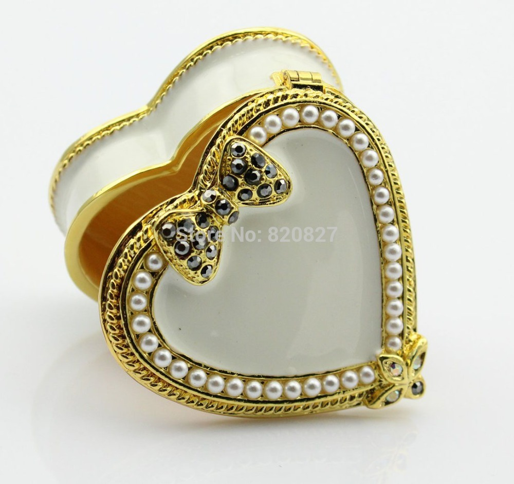 Vintagge small heart shaped box new metal heart ring box for Heart ring box