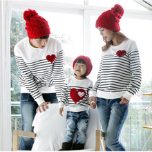 2016 Family Matching Outfits Spring mom/dad/child clothes, mom and daughter striped long-sleeve Cotton T-shirt Family Pack(China (Mainland))