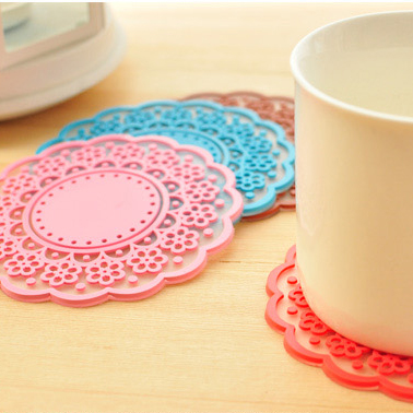 Small sweet laciness translucent cutout lace coasters silica gel coaster heat insulation pad slip-resistant jottings(China (Mainland))