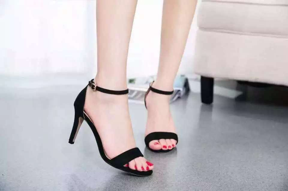Thin heels shoes high-heeled sandals sexy black women's shoes button with high-heeled sandals female silver(China (Mainland))