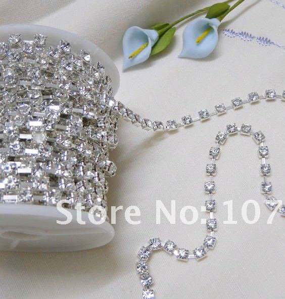 50% off! Only 3 Days!! TRACKING No.--10yd 4mm A-Grade Rhinestone Silver Diamante Chain Craft(China (Mainland))