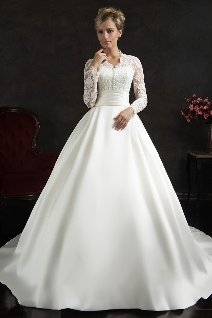 Elegant long sleeve vintage lace wedding dress 2015 hot for Wedding dresses with sleeves for sale