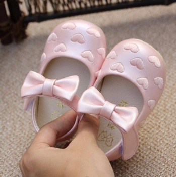 Baby Shoes Fall 2016 New Girl Butterfly Bow Pearl Rhinestone Princess Soft Baby's Leather Shoes Toddler First walker Flat