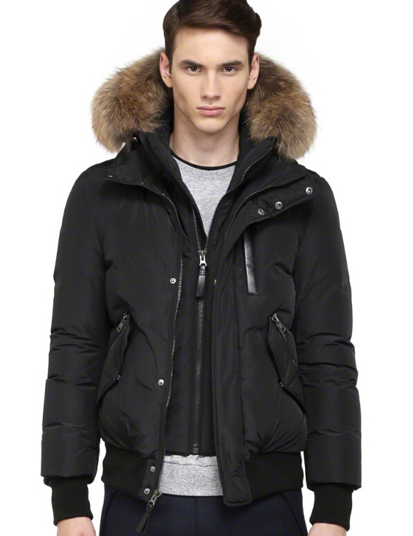 Black Blue Green new arrival mackageing fashion down coats man's winter down bomber jacket with fur hood short(China (Mainland))