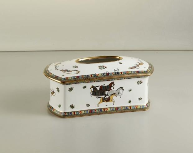2015 brand porcelain tissue box European classical luxury living room Decoration ceramic tissue box(China (Mainland))