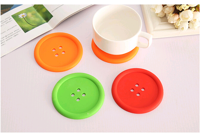 Creative Household Supplies Round Silicone Coasters Cute Button Coasters Cup Mat Random Color Drop Shipping(China (Mainland))