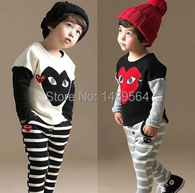 Boys girls clothing sets White Black Patchwork stripe Athletic Wear Kids clothes mouse pattern COttone sports suit Brand quality(China (Mainland))