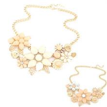 2015 Free Shipping new fashionable bright flower necklace charm rhinestone necklace and pendant gift dz219(China (Mainland))