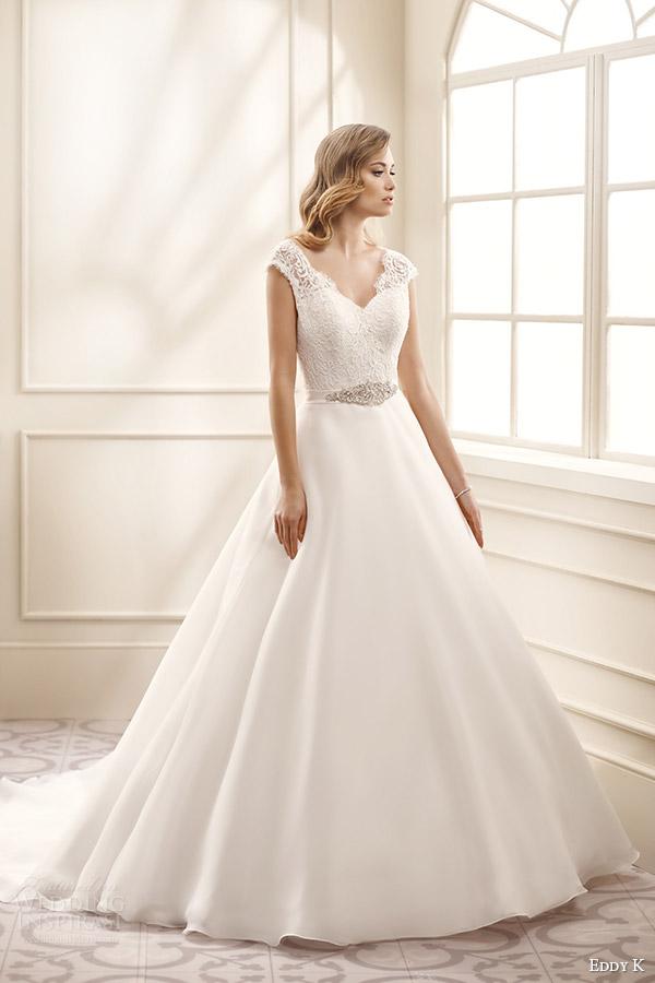 Elegant silk wedding dresses with sleeves for Short flowing wedding dresses