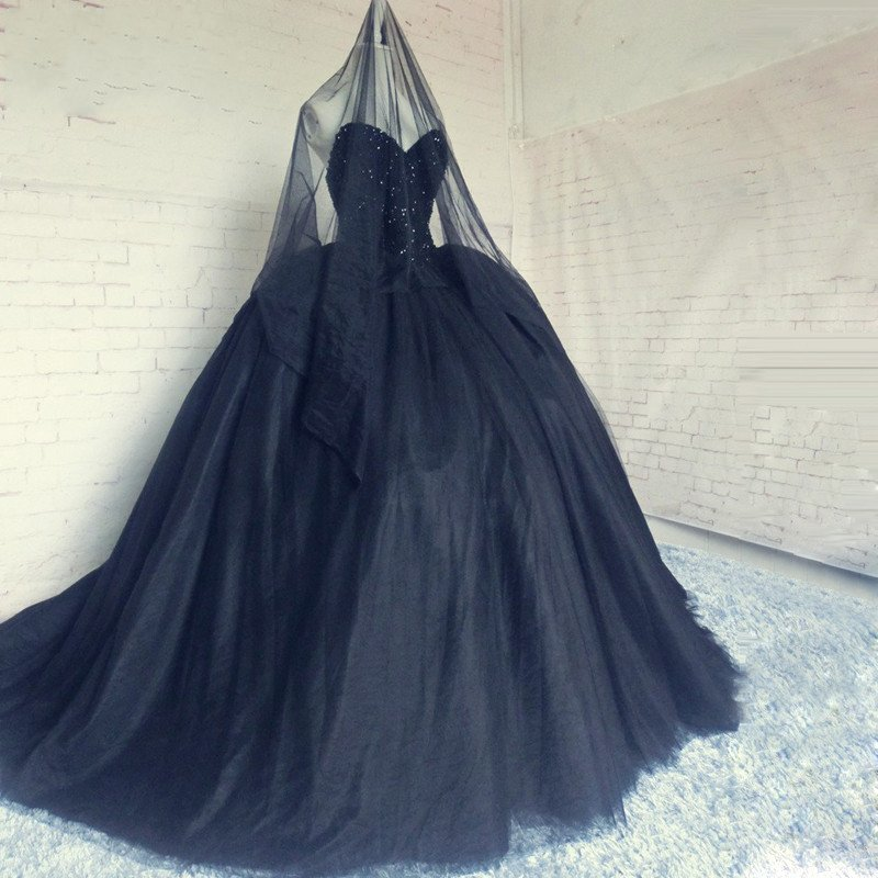 Gothic princess black wedding dress ball gown sweetheart for Ball gown wedding dresses with sweetheart neckline and beading