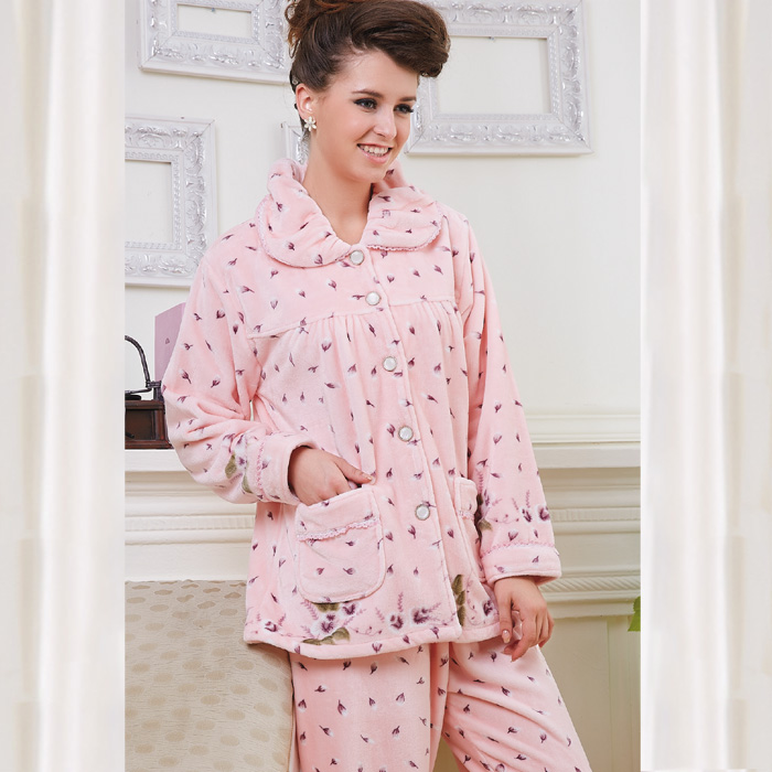 High quality women Sleepwear autumn and winter quality super soft coral fleece comfortable female home clothes Pajamas set(China (Mainland))