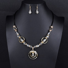 Verrückte Feng Luxus Acryl Perlen Ohrringe Halsketten Set für Frauen Colliers Rot Grün Braut Hochzeit Dubai Schmuck Sets(China)