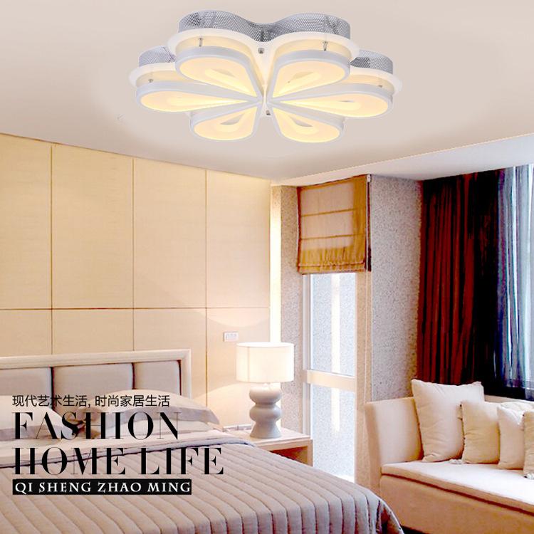 Illuminazione Camera Da Letto: Illuminazione camera da letto moderna colori adatti per la.