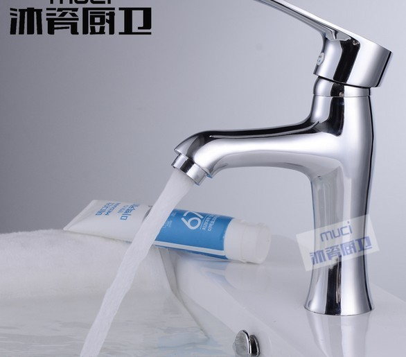 Free shipping Copper kitchen basin faucet tap mixer hot and cold water single handle with 2 hoses chrome plating