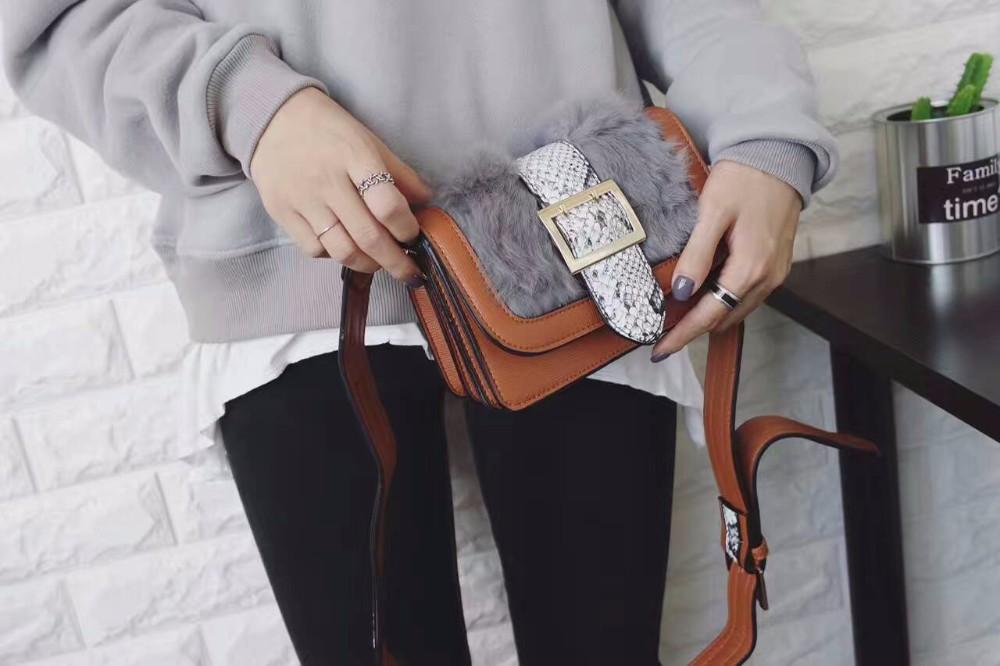 ซื้อ 2016ผู้หญิงกระเป๋าสุภาพสตรีกระเป๋าถือหนังPU Conyผมคดเคี้ยวพนังกระเป๋าสะพายCrossbodyเย็บปะติดปะต่อกันสีดำสีน้ำตาลกระเป๋าพรรค