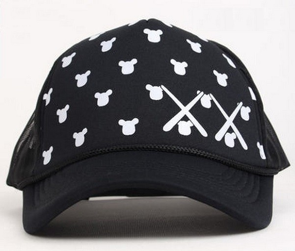 mickey_cross_all black