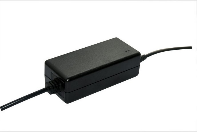 12.6v 3a lithium battery charger 3 lithium battery 12v polymer battery pack charger<br><br>Aliexpress