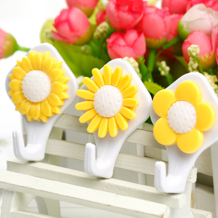 2015 New Lovely Sunflowers Strong Stick Hook Mounted Three Creative Small Sticky Plastic Bathroom Hook 6 Pieces(China (Mainland))