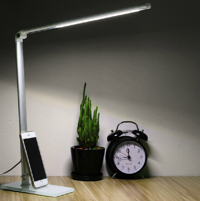 Factory wholesale Eyesight Protection LED Reading Lamp Foldable Desk Lamp,5000K Natural Light,3 Steps Dimming(China (Mainland))