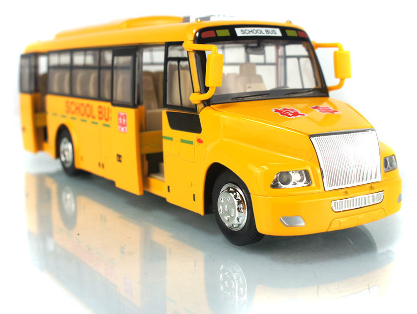 High Quality!!! School Bus Diecast Pull Back Flashing 24*7*5.5CM 1:32 Alloy Vehicles Toys Gifts Models Collection(China (Mainland))