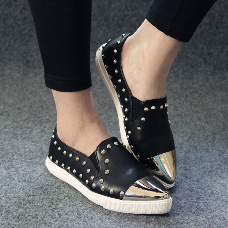 2015 New fashion Women Flats Vintage Rivets Genuine Leather Pointed Toe Metal Design Spring black Women's Shoes  # YNS126(China (Mainland))