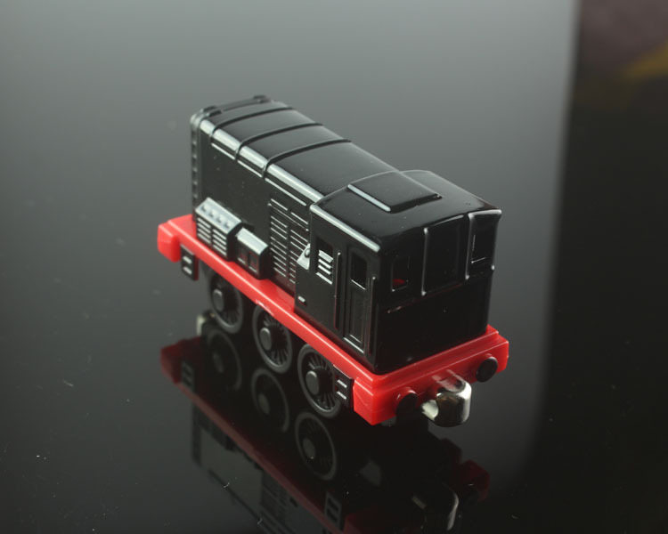 Brand thomas and friends trains diesel head magnetic Locomotive Diecast pista alloy metal models train mini collection gift toys(China (Mainland))