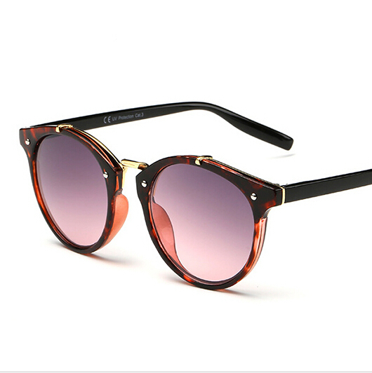 2015 New Fashionable Sun glasses Vintage Oculos Oval Sunglasses Coating Points sun Women shades Female Clubmaster outdoor sports(China (Mainland))