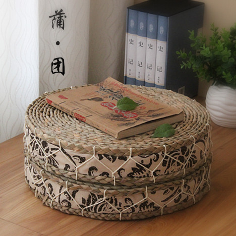Handmade Straw Cushion braid Futon Sponge inside soft cushion japanese style tatami piaochuang round pad(China (Mainland))