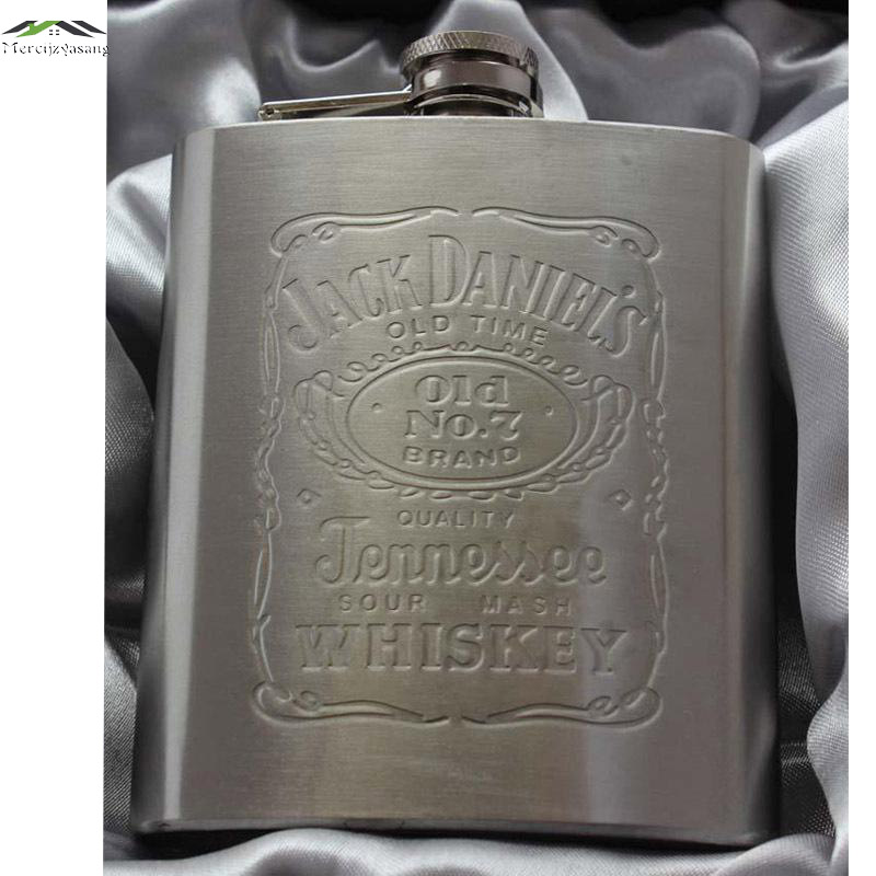 Hot sale metal hip flasks portable flagon stainless steel gifts travel silver whiskey alcohol liquor bottle Male Mini Bottles(China (Mainland))