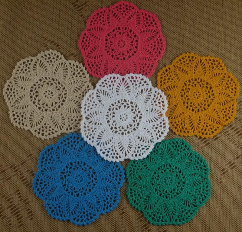 livraison gratuite gros magnifique fleur d 39 ananas crochet motif napperon tapis de coupe pad rond. Black Bedroom Furniture Sets. Home Design Ideas