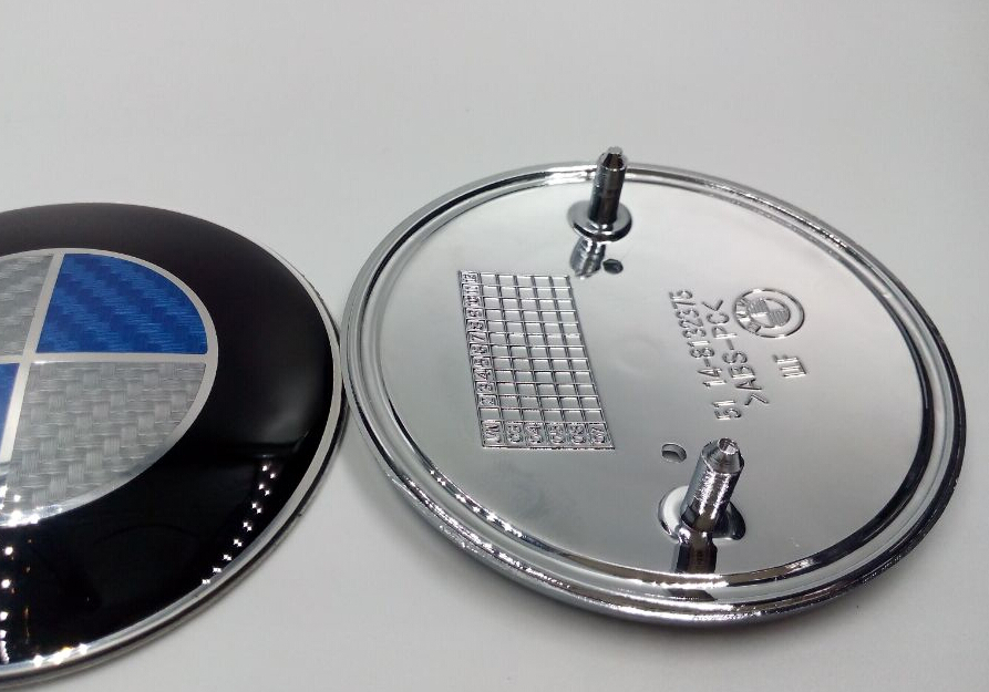 High quality 100pcs/lot 82MM Blue black &white fiber carbon Emblem Badge Hood Front Rear Trunk Logo For E36 E46 E39 E38 E90 E60(China (Mainland))