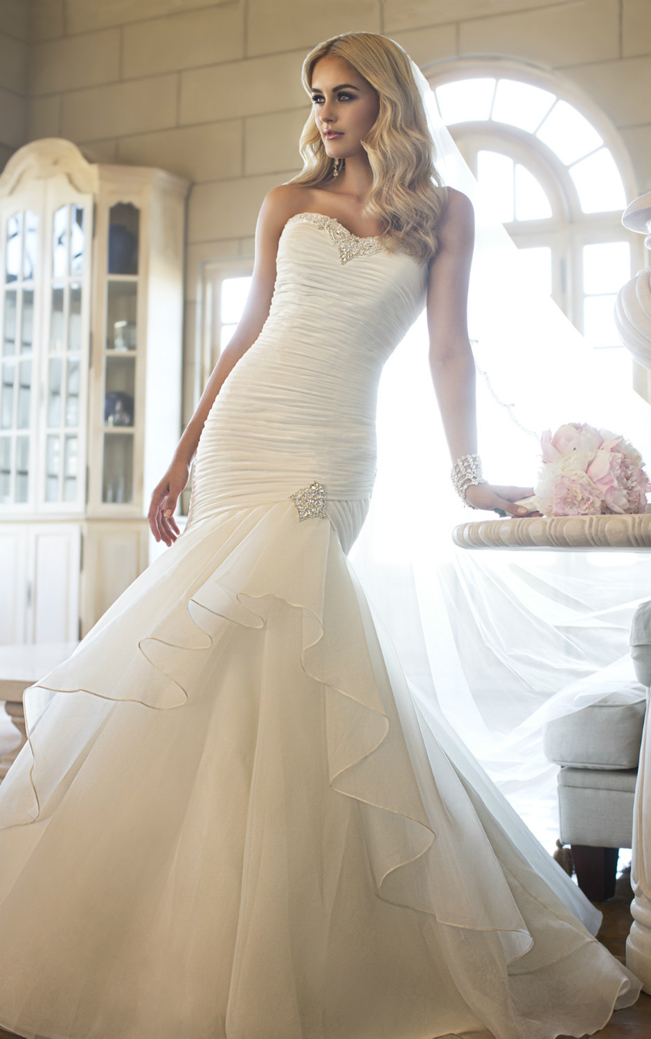 Free shipping fabulous organza trumpet wedding gown for Sweetheart neckline ruched bodice wedding dress