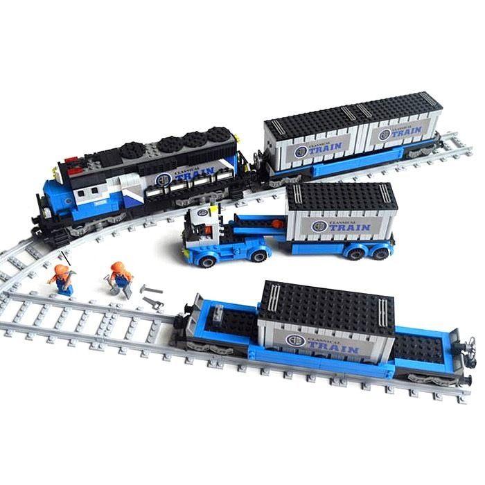 Грузовые поезда и железной дороги трек
