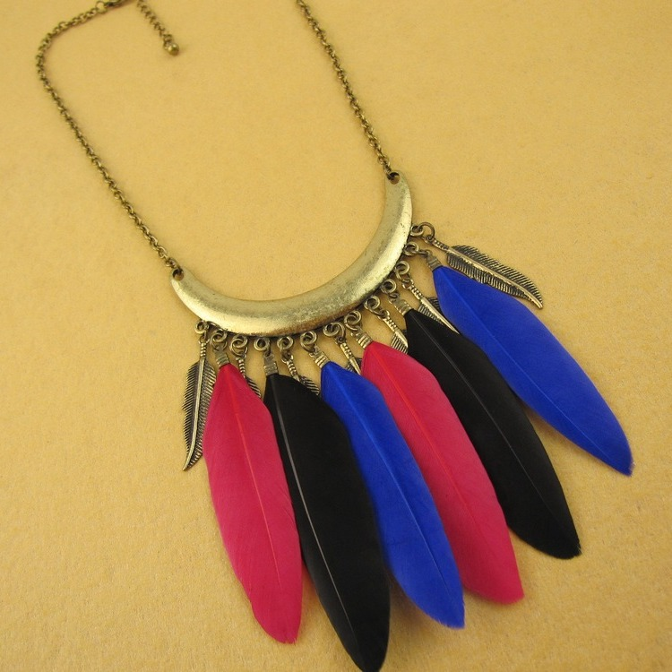Feathers Collar Feather necklace about 35+7cm long Goose feather necklace (feahter length about 7cm)(China (Mainland))
