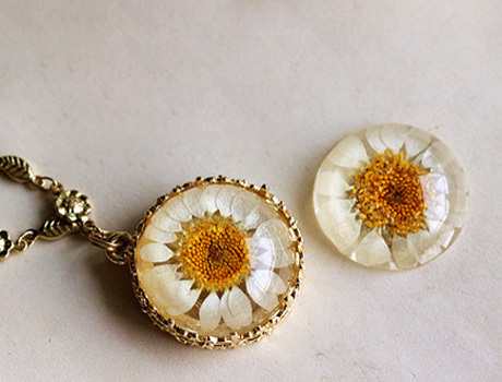 10pcs 25MM Round Real Flower Necklace pendant (Mixed colors), Real Flower Necklace Dried Flowers Real Pressed Flower Necklace<br><br>Aliexpress